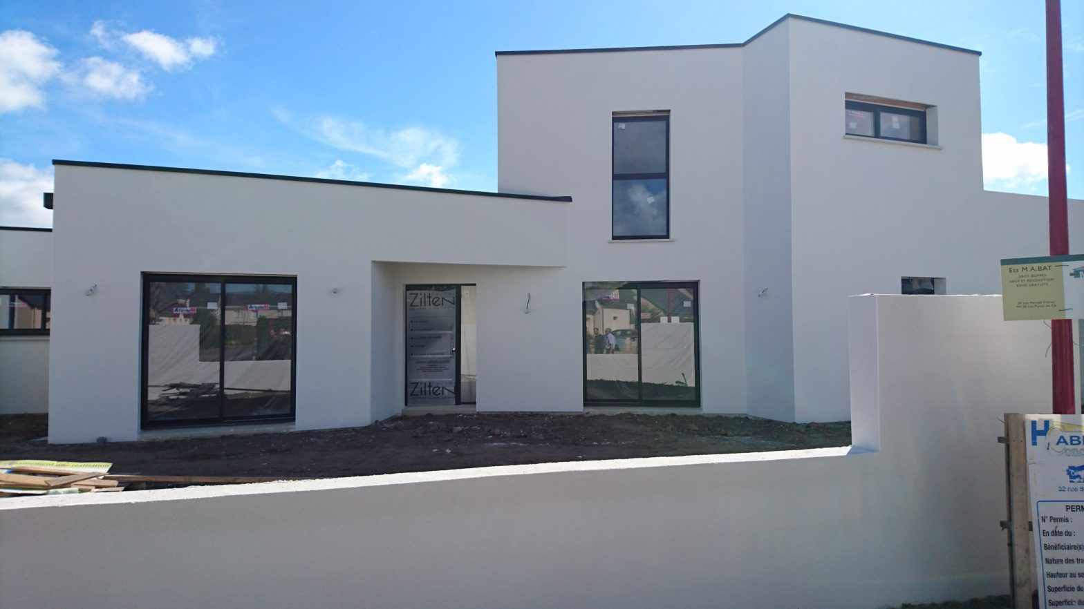 Maison etage r+1 toit terrasse 49800 trelaze