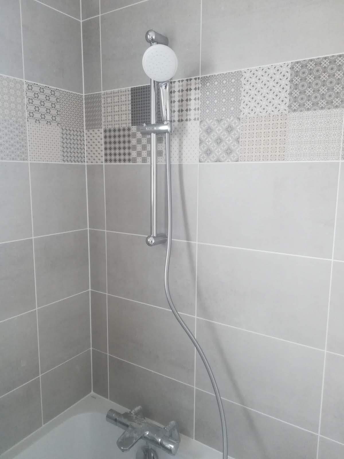 faience-baignoire-robinetterie