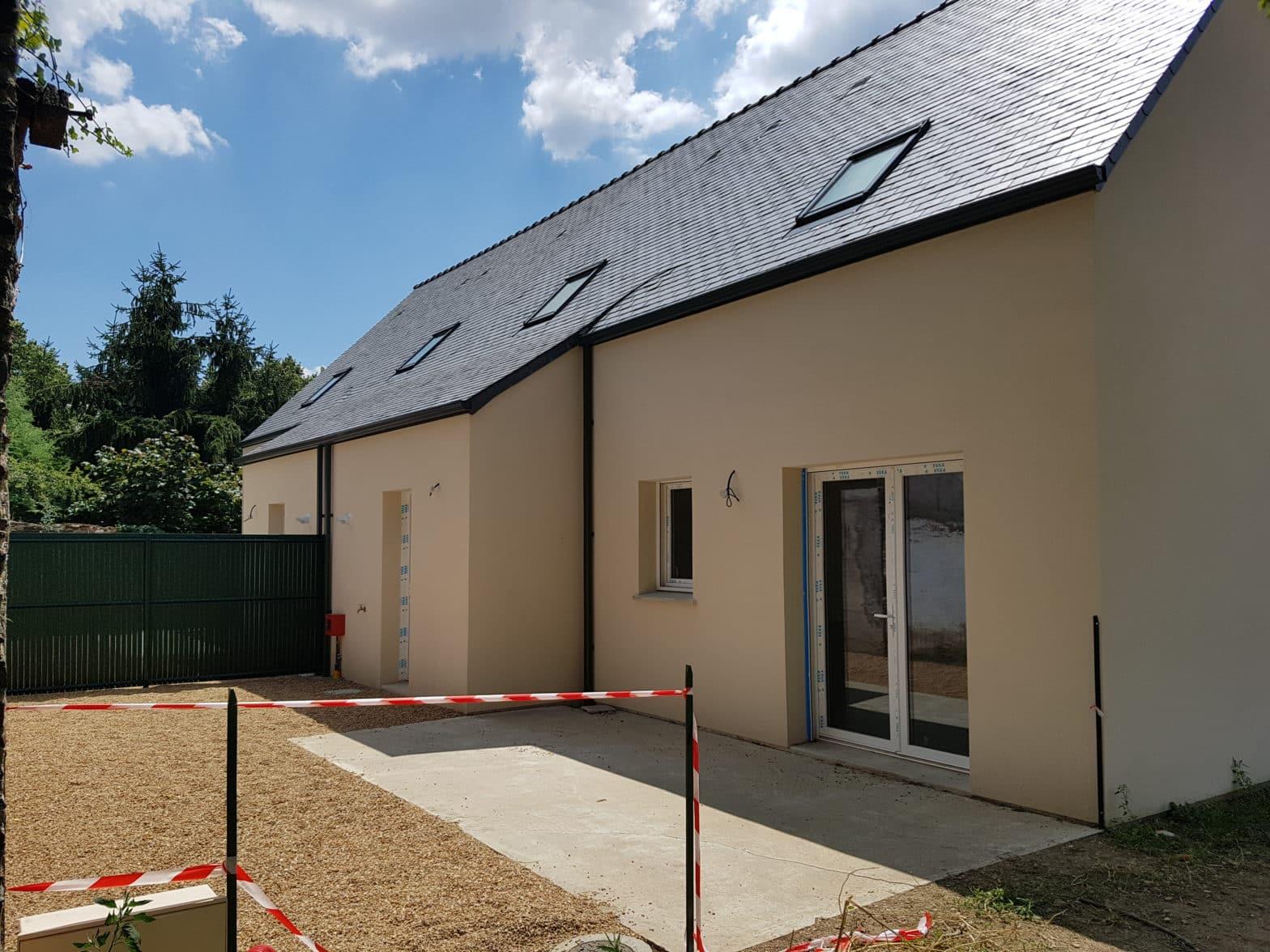Maison étage comble toiture ardoise à Baugé