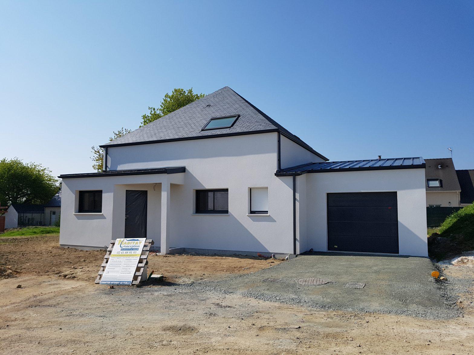 maison,etage,comble,toiture ardoise,corne