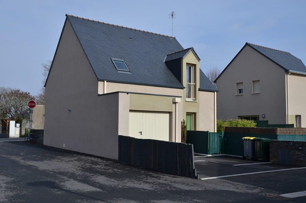 maison etage comble toiture ardoise denee 49190