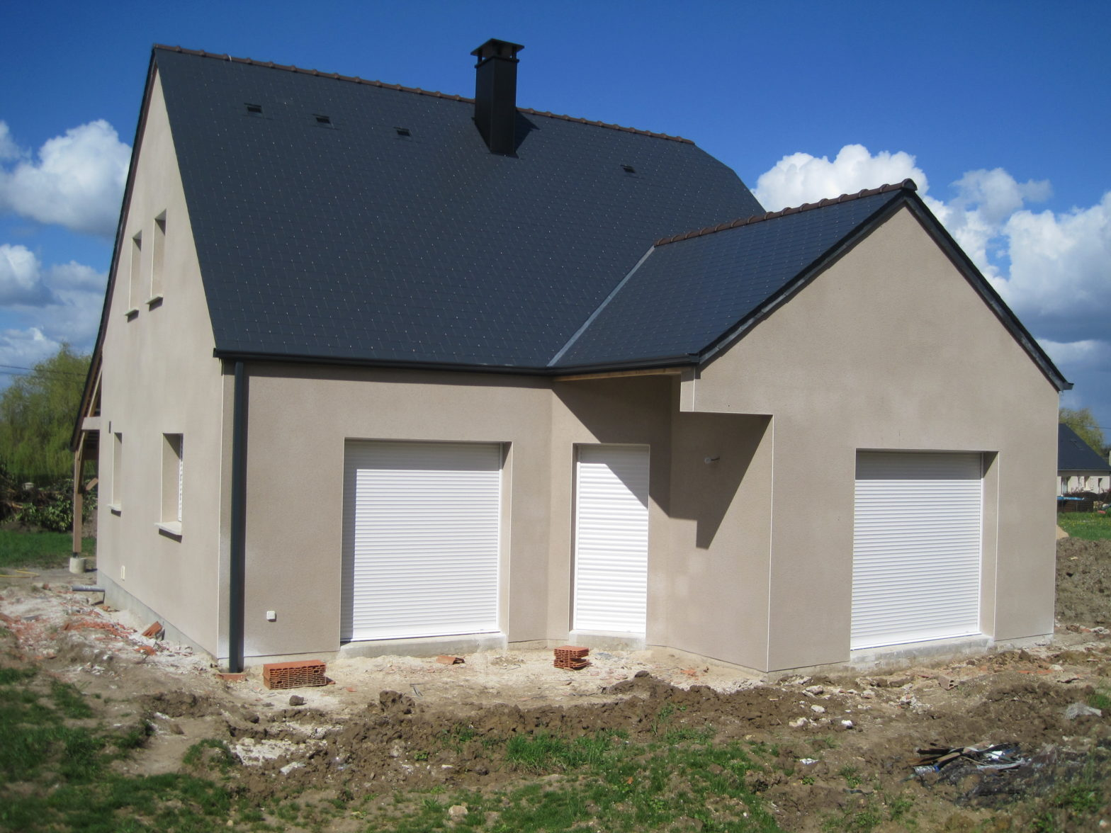 maison etage comble toiture ardoise sarrigne