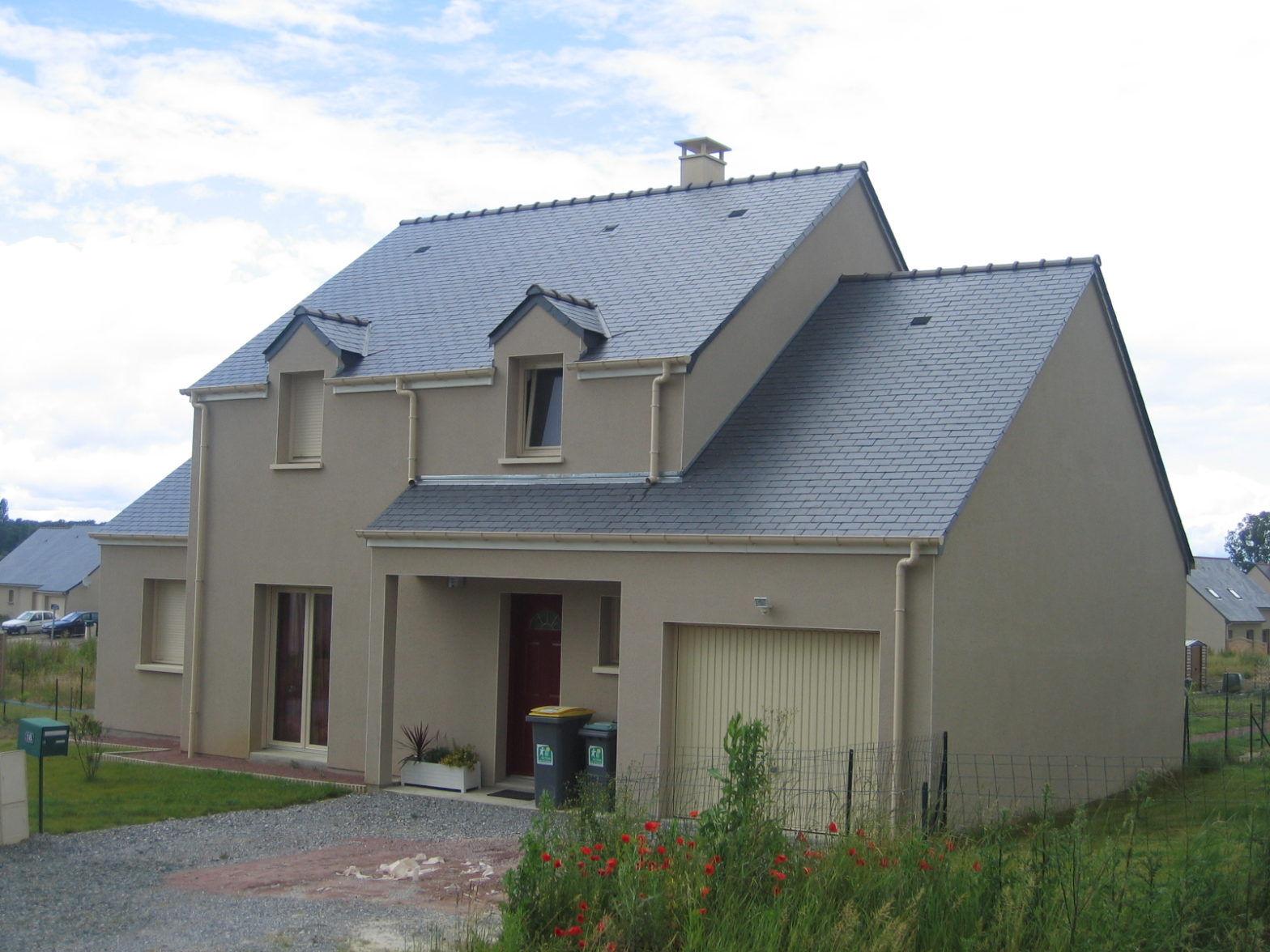 maison etage comble toiture ardoise sarrigne 49