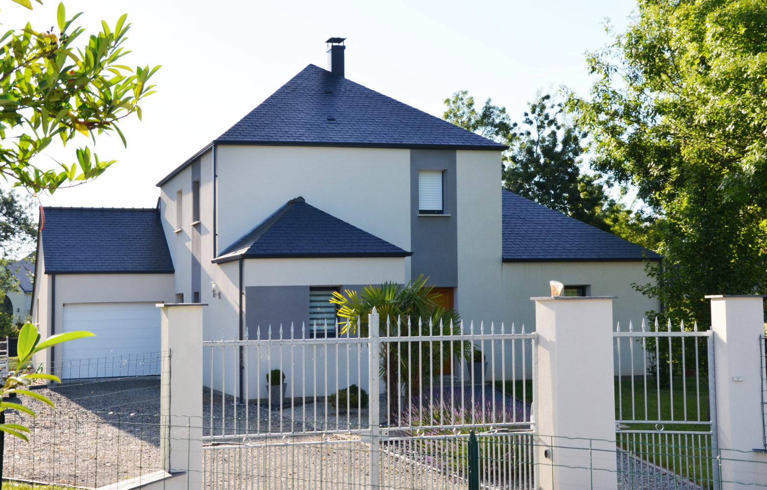 maison etage r+1 toit ardoise beaucouze 49