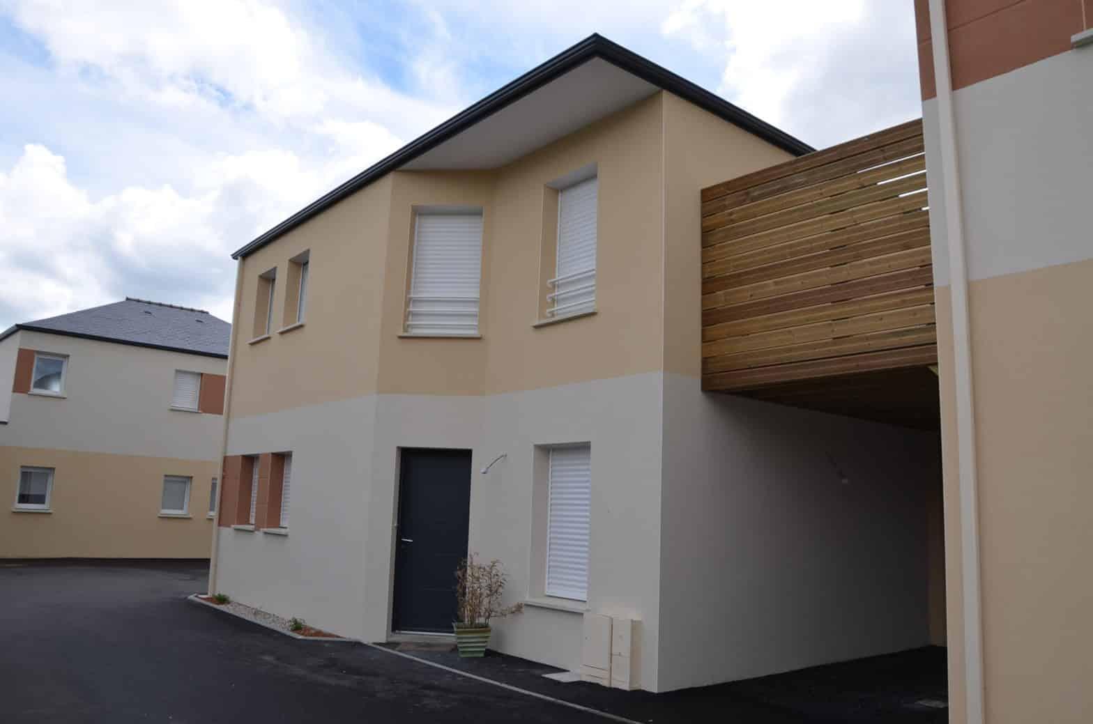 Maison, étage r+1, toiture ardoise à Durtal