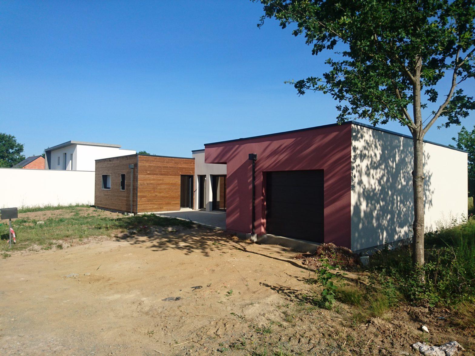maison plain pied toit terrasse toit plat 49800 sarrigne