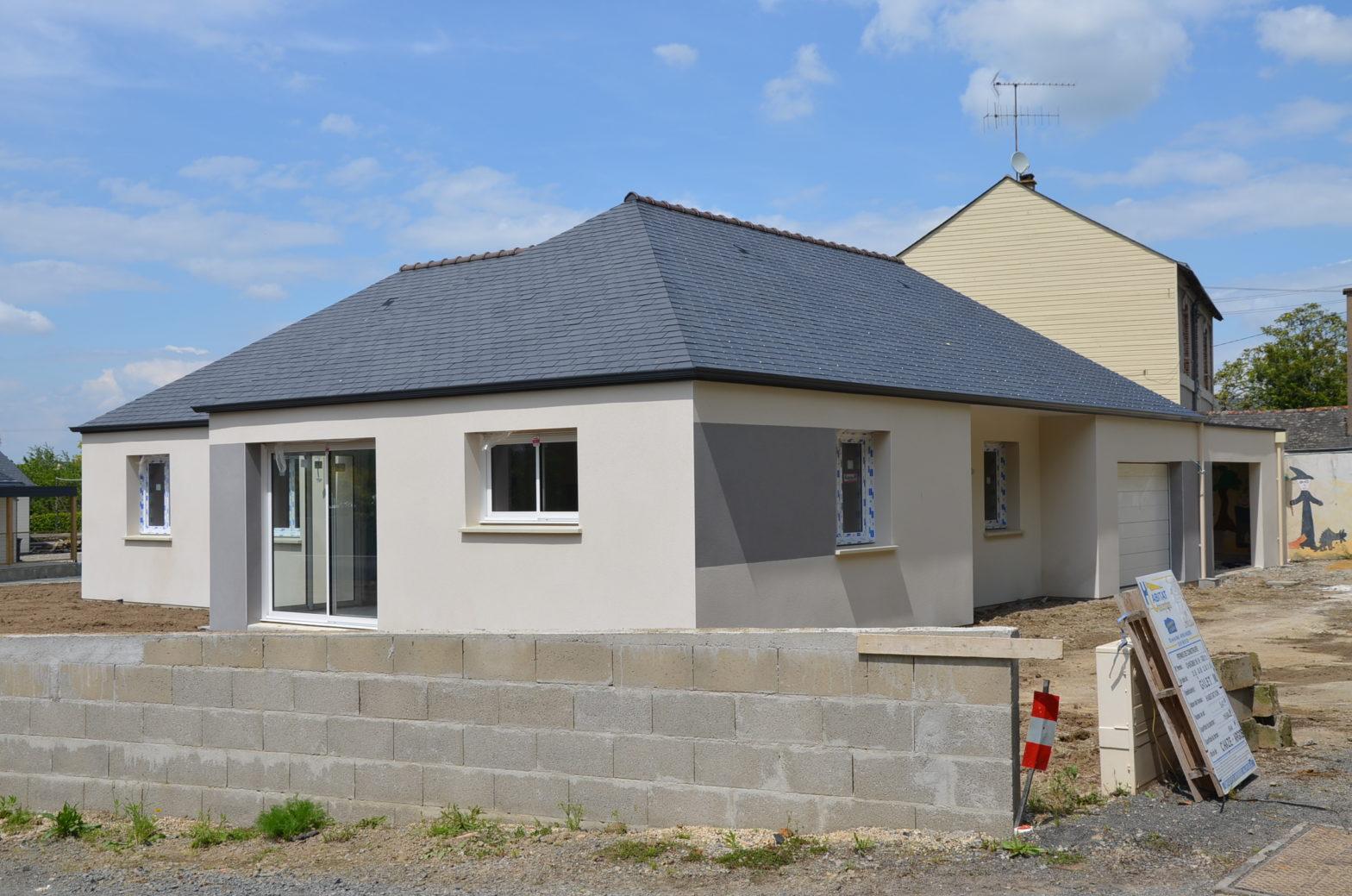 maison plain-pied toiture ardoise le plessis grammoire 49124