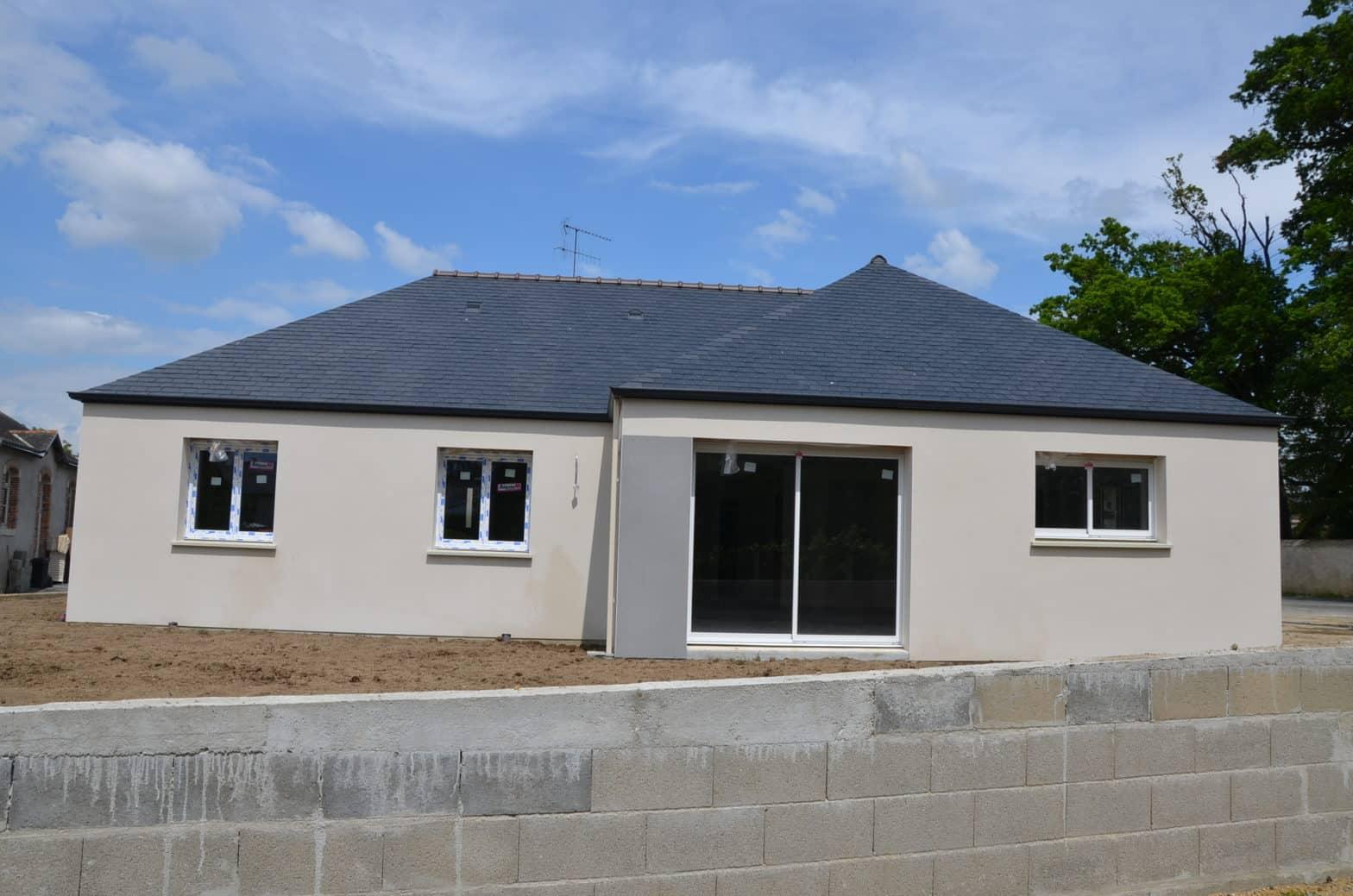 Maison plain-pied, toiture ardoise à Saint-Barthélémy-d'Anjou
