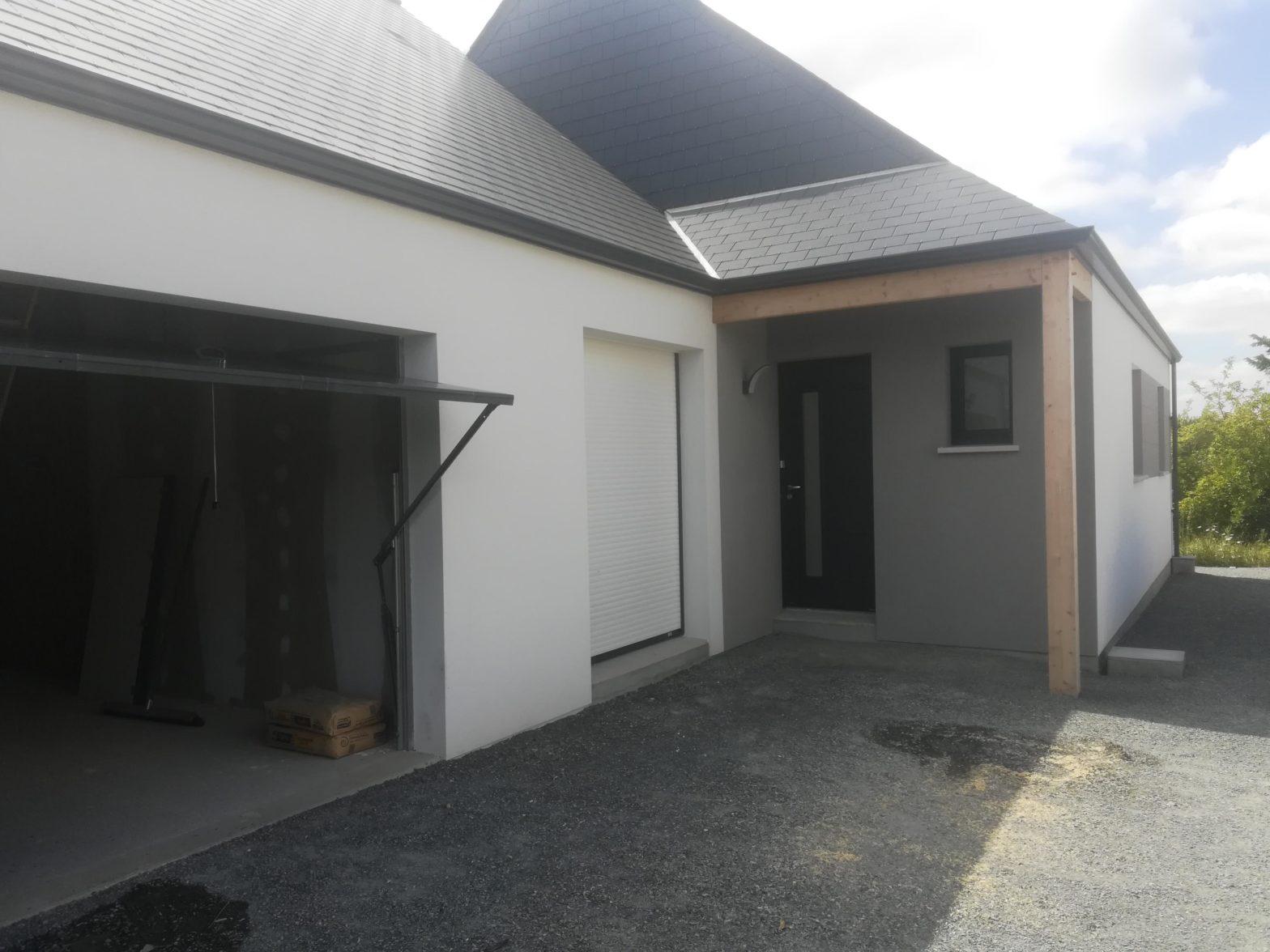 maison de plain pied toiture en ardoise construite à verriere-en-anjou-saint-sylvain-danjou