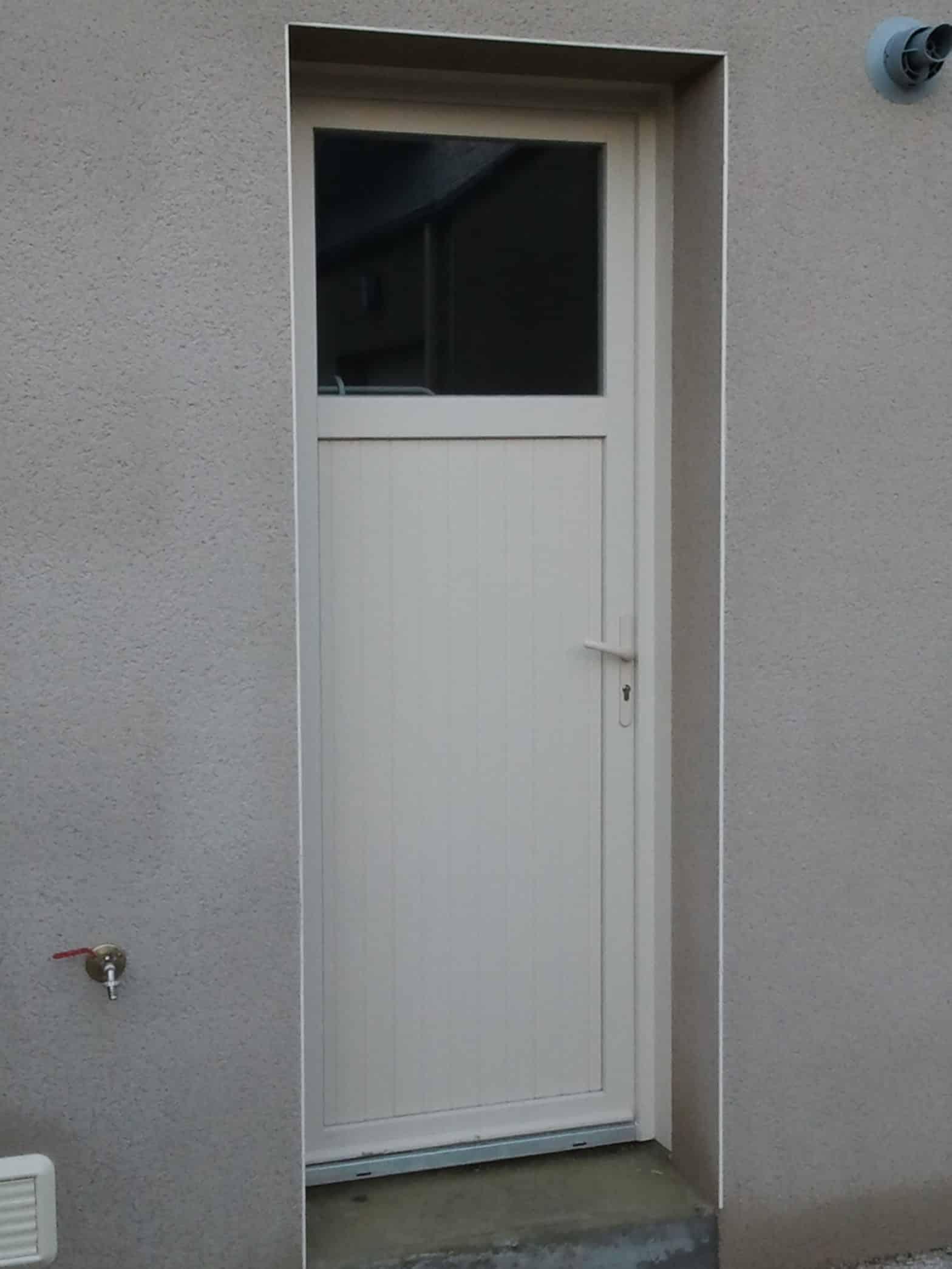 Porte de service, pvc blanc à Angers