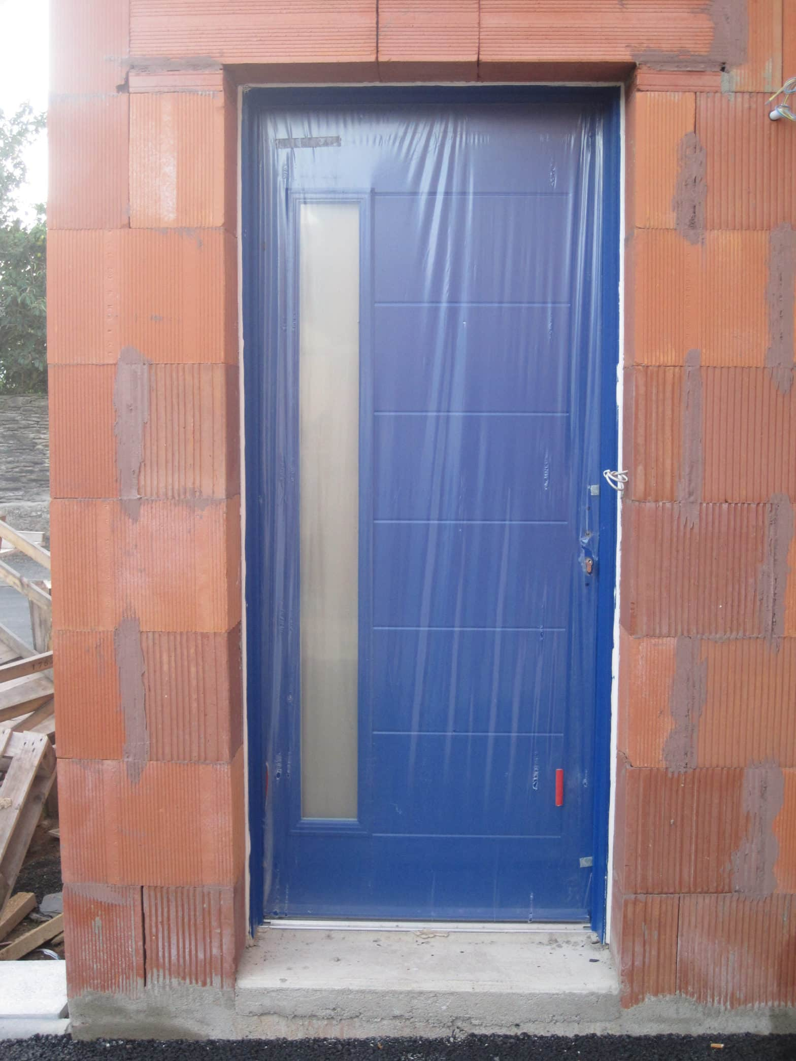 Porte d'entrée bleu à Angers