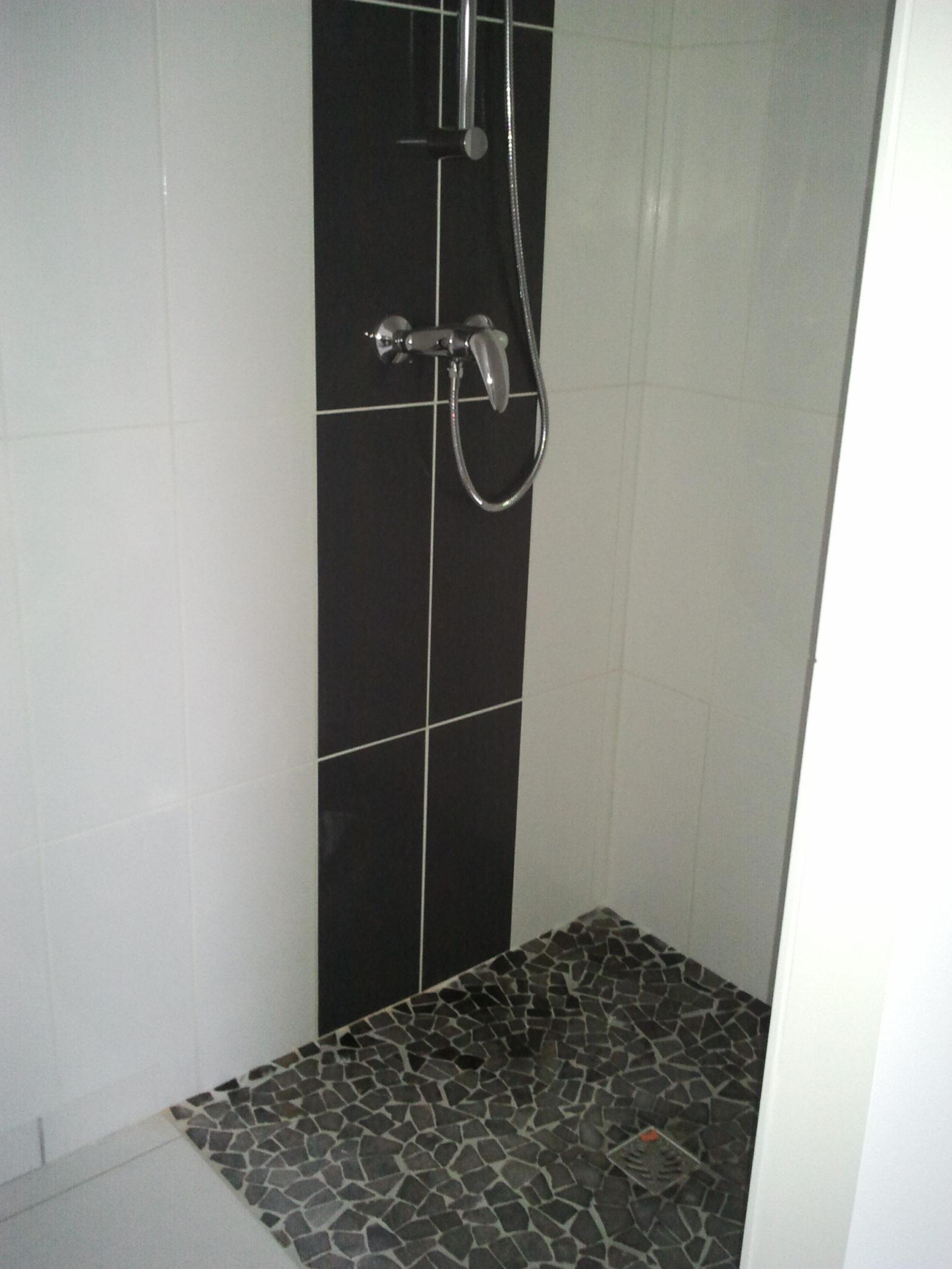 sanitaire-faience-douche-italienne-saint-george-sur-loire